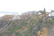 モンモランシーの滝公園の森