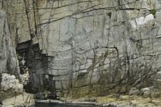 海の岩の画像006