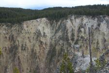 イエローストーン国立公園の渓谷の画像004