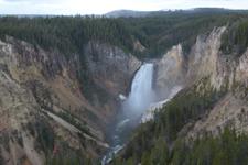 イエローストーン国立公園の滝の画像003