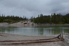 イエローストーン国立公園のホットスプリングの画像010