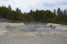 イエローストーン国立公園のホットスプリングの画像011