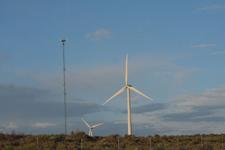 アメリカのハイウェイから見える風車の画像014