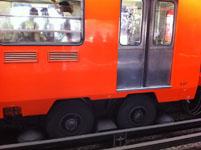 メキシコシティの電車の画像003