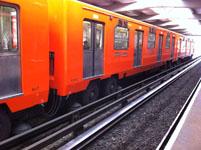 メキシコシティの電車の画像004