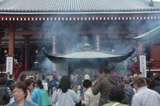 浅草寺の大香炉の画像002