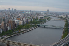 隅田川と浅草の街並みの画像008