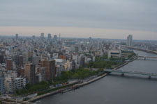 隅田川と浅草の街並みの画像009