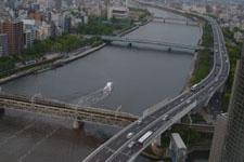 隅田川と浅草の街並みの画像012