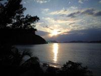 沖縄の海に沈む夕日の画像002