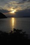 沖縄の海に沈む夕日の画像010