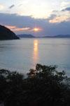 沖縄の海に沈む夕日の画像012