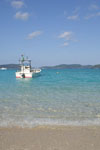 沖縄の海と船の画像007