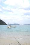 沖縄の海と船の画像010