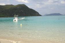 沖縄の海と船の画像015