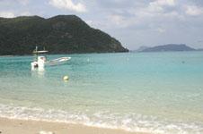 沖縄の海と船の画像017