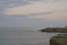 納沙布岬の灯台と夕焼け