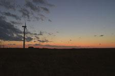 根室半島の風車と夕焼けの画像002