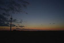 根室半島の風車と夕焼けの画像003