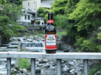 夏の川とビールの画像002